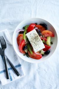 authentic greek salad   www.perpetuallychic.com