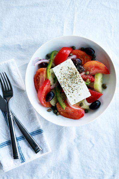 authentic greek salad | www.perpetuallychic.com