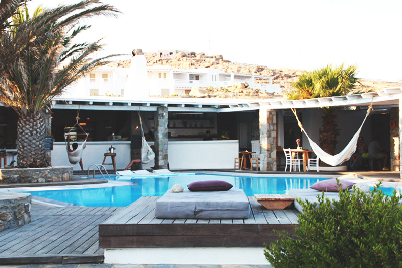 san giorgio hotel mykonos perpetually chic. Black Bedroom Furniture Sets. Home Design Ideas
