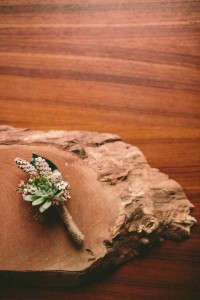How to Make a Simple Boutonnière by Rosehip Flora, photo by Julie Cope   Perpetually Chic