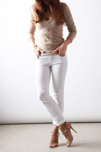 cream sweater + white jeans| Perpetually Chic